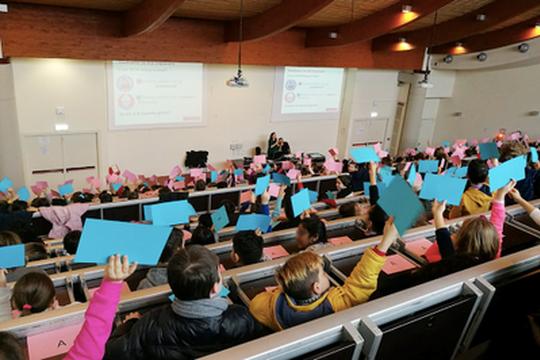Si sono riuniti in Unibo i piccoli cittadini digitali per riflettere su insidie e risorse del web